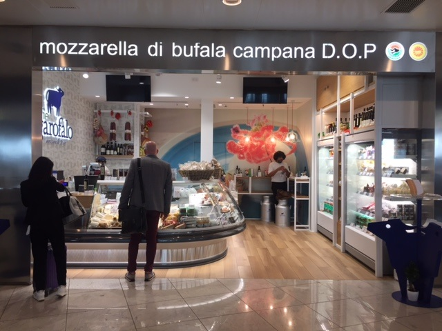 mozzarella and chease shop